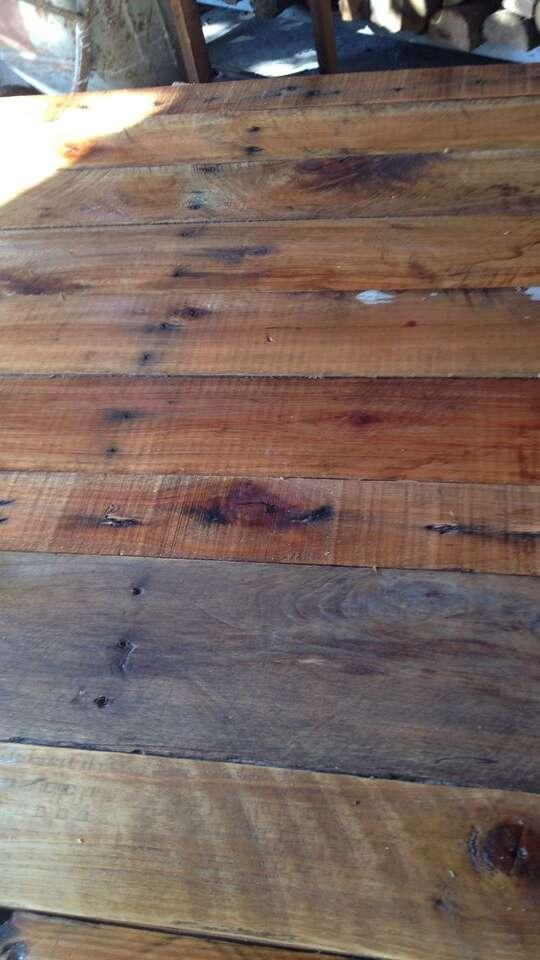 Texture in legno per foto social | Seed Media Agency